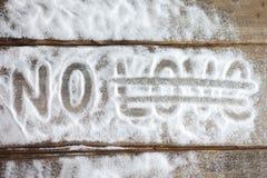 Aufkleber lieben, verbinden, lieben, Verhältnis, Zucker, Salz, Bitterkeit auf dem Hintergrund der Bretter der Hintergrund des Sch Stockbilder