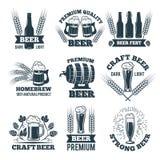 Aufkleber oder Ausweise eingestellt vom Bier Elemente für Emblem oder Logodesign lizenzfreie abbildung