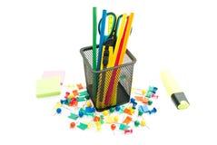 Aufkleber und anderes Bürobriefpapier Stockfotos