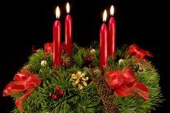 Aufkommen Wreath über Schwarzem Stockfoto