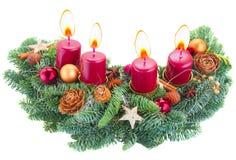 Aufkommen Wreath mit brennenden Kerzen Stockfotos