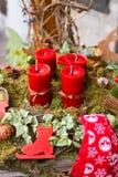 Aufkommen Wreath mit Kerzen Lizenzfreie Stockfotos
