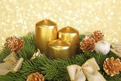 Aufkommen Wreath mit Kerzen Stockbild