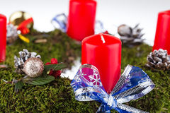 Aufkommen Wreath mit Kerzen Stockfotografie
