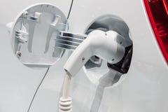 Aufladendes elektrisches Auto Lizenzfreies Stockbild