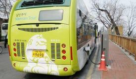 Aufladungsbatterie des elektrischen Busses von der Energie erzeugt Lizenzfreies Stockbild