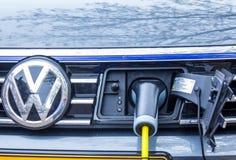 Aufladungsbatterie des Hybridfahrzeugs stockfoto