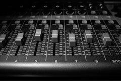 Aufnahme-Mischer-Brett - Headon 01 Lizenzfreie Stockfotos