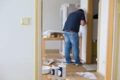 Aufnehmen des Schalters und des Hauses für Schutz stockbilder