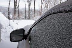 Aufpassender Schnee stockbild