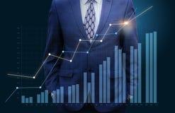 Aufpassendes Diagrammwachstum des Geschäftsmannes vektor abbildung