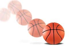 Aufprallen des Basketballs Stockbilder