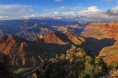Aufrüttelnde Ansicht von Grand Canyon von der Südkante, Arizona, US Stockfotos