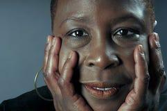 Aufrichtige schwarze Frau Stockbilder
