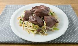 Aufruhr Fried Bean Sprout mit erstarrtem Schweinefleisch-Blut Lizenzfreies Stockfoto