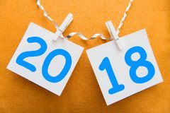 Aufschrift 2018 auf dem Hintergrund Stockbild