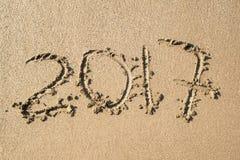 Aufschrift 2017 auf dem Sand Lizenzfreie Stockfotos