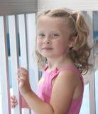 Aufstellung des kleinen Mädchens Stockbilder