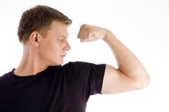 Aufstellung des muskulösen Mannes Stockfotografie