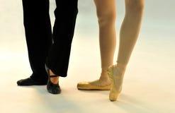 Aufstellung mit zwei Balletttänzern lizenzfreie stockfotos