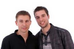 Aufstellung mit zwei beiläufige Freunden Stockfotografie