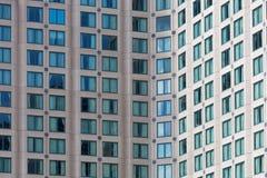 Aufstiegsgebäude-Fensternahaufnahme des Hotels hohe Stockfoto