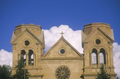Auftraggebäude in im Stadtzentrum gelegener Santa Fe New Mexiko Lizenzfreie Stockbilder