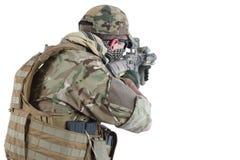 Auftragnehmer Private Military Company mit Sturmgewehr stockfotos