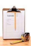 Auftragnehmer-Schätzungs-Form-Vertikale Stockbild