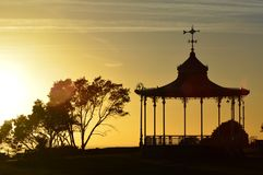 Aufwändige Bühne bei Sonnenuntergang Stockbilder