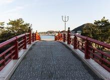 Aufwändige japanische Brücke Stockfoto