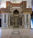 Aufwändiger gemeißelter Mihrab, Mausoleum von Sultan Qalawun, altes Kairo, Ägypten Stockbild