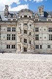 Aufwändiges Treppenhaus von Blois-Schloss Lizenzfreie Stockfotografie
