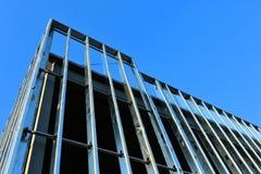 Aufwärts Wachstum des neuen Stahlrahmenhandelsgebäudes lizenzfreie stockbilder