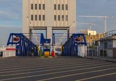Aufwartung, zum der Woolwich-Fähre zu verschalen Lizenzfreies Stockfoto
