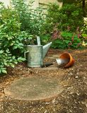 Aufwartung zum im Garten zu arbeiten anzufangen Stockfotos