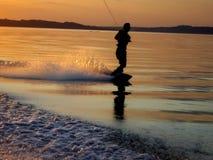 Aufwecken-Vorstand und Sonnenuntergang stockfotos