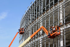 Aufzüge an einer Neubausite Stockfotografie
