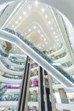 Aufzüge, Glas und Metall Lizenzfreie Stockfotografie