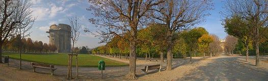 Augarten parkerar i nedgången, Wien, Österrike arkivbild