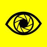 Auge auf einem gelben Hintergrund Lizenzfreies Stockfoto