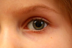 Auge eines Kindes stockfoto