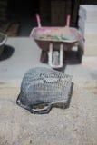 Auge sur la pile de mortier de ciment Photos stock