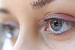 Augen der jungen Frau
