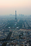 Augenansicht des Vogels über Ansicht über Paris Stockfoto