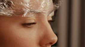 Augenbrauenlaminierungs-Verfahrensabschlu? oben stock video
