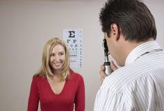Augenprüfungsüberprüfung lizenzfreies stockfoto