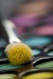 Augenschminkesatz mit Verfassungspinsel Stockfoto