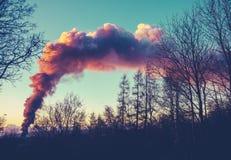 Augmentation de fumée du feu photos stock