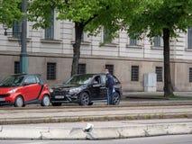 Augsburg, Duitsland - Mei 7, 2019: Duitse politiecontrole in de stad van Augsburg stock foto
